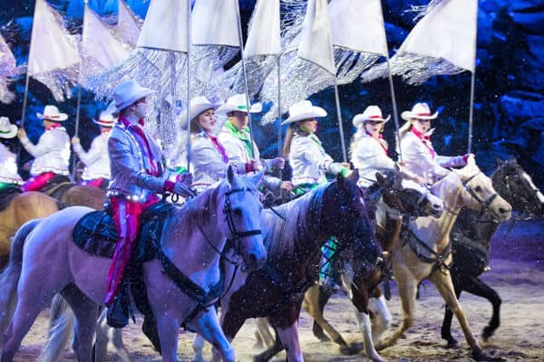 dolly parton stampede christmas show